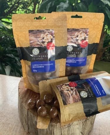 Nutworks Орехи Макадамия в шоколаде Ламингтон с кокосом 75г, 200г, Австралия